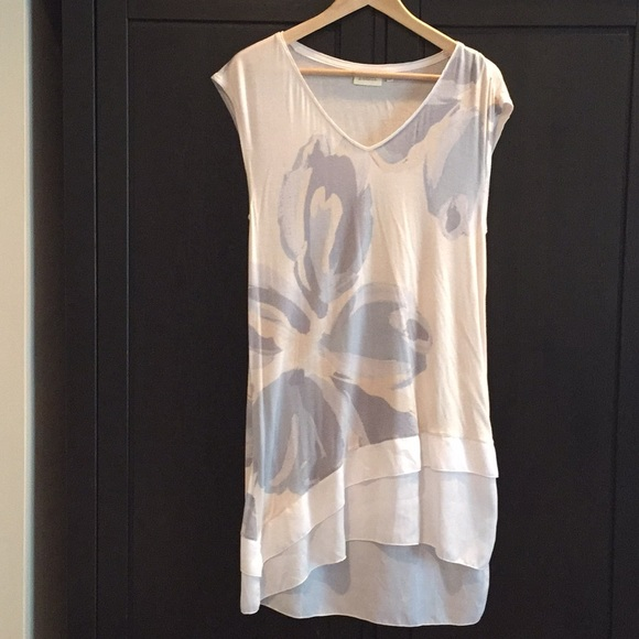 Anthropologie Tops - Anthropologie tunic top size S
